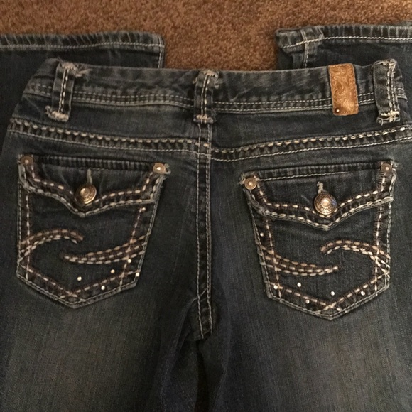 Maurices Denim - Maurice's jeans with nicely embellished pockets.